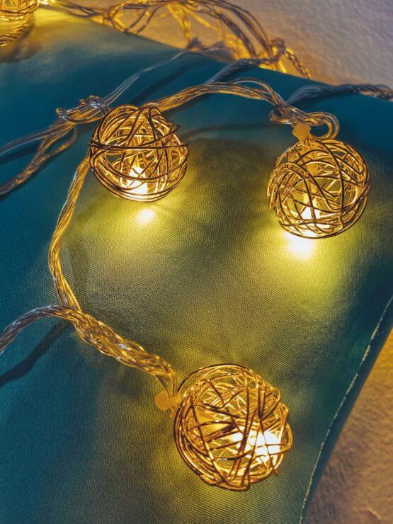 Гирлянда «Золотые клубочки ротанг» — металлические